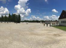 Plein concentratiekamp Dachau (panoramafoto)