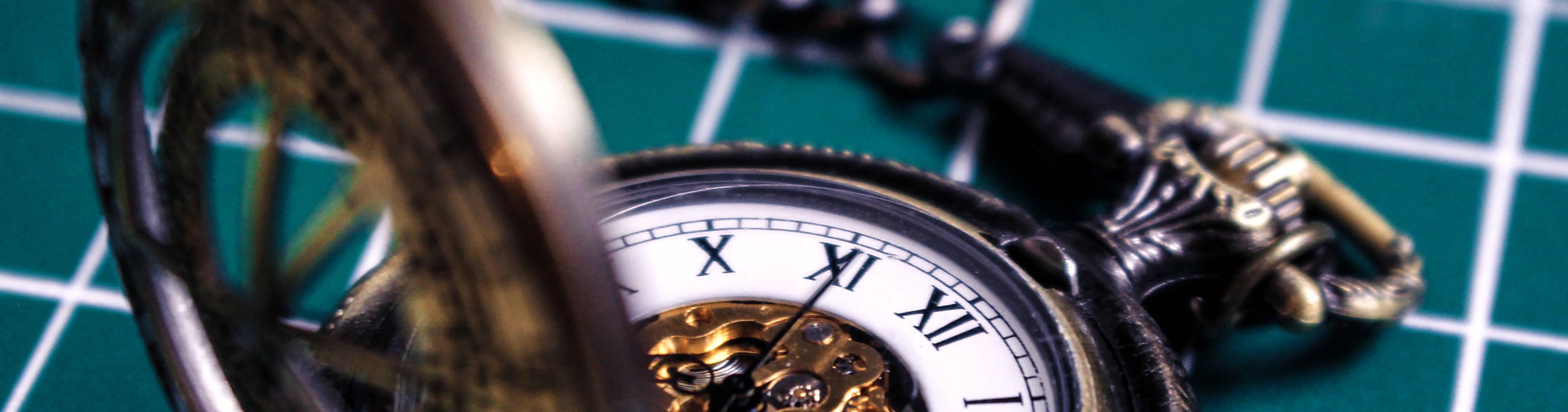Clock (Shawn-lee-vuEiSEegQAk-unsplash) cut-out